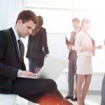 Жить или выживать среди коллег: позиционируем себя правильно